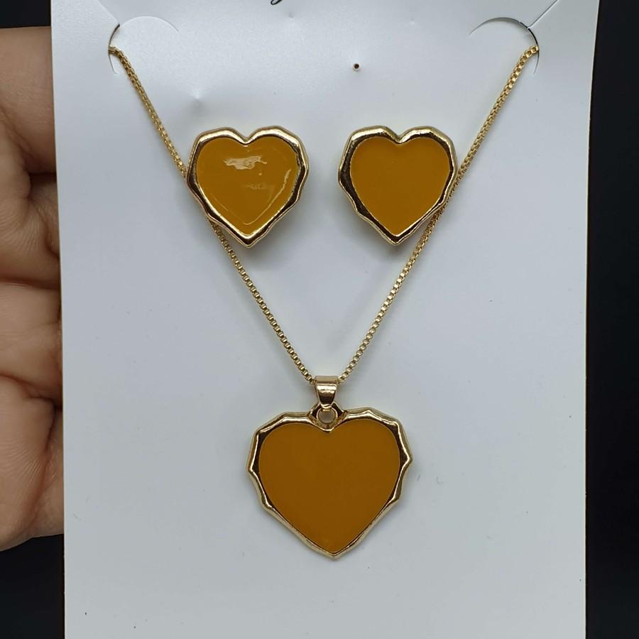 Conjunto Coração Dourado Amarelo