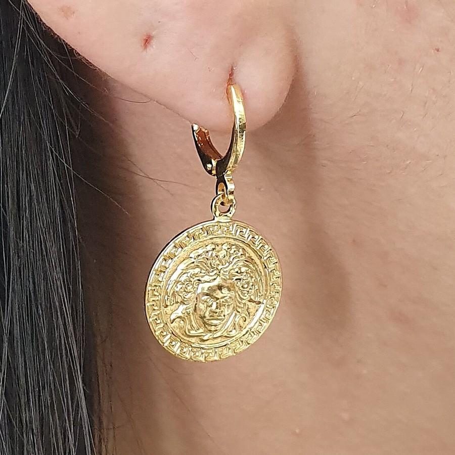 Mini Argola Folheada Dourado Medalha
