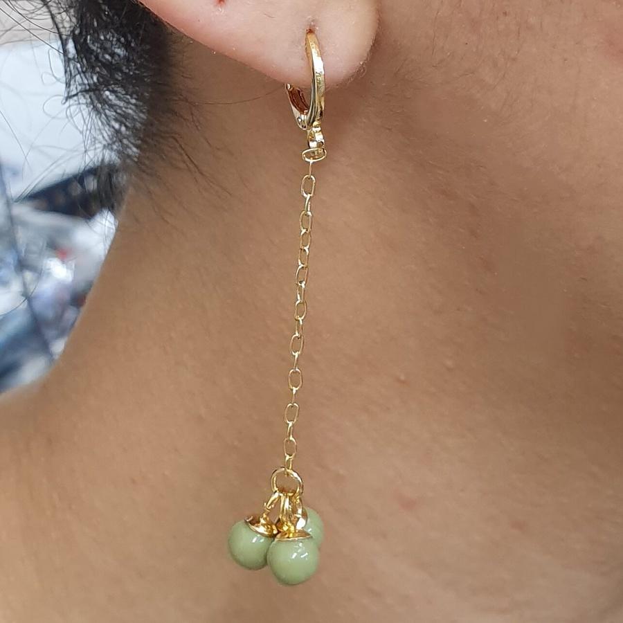 Mini Argola Folheada Dourado Esferas Verdes
