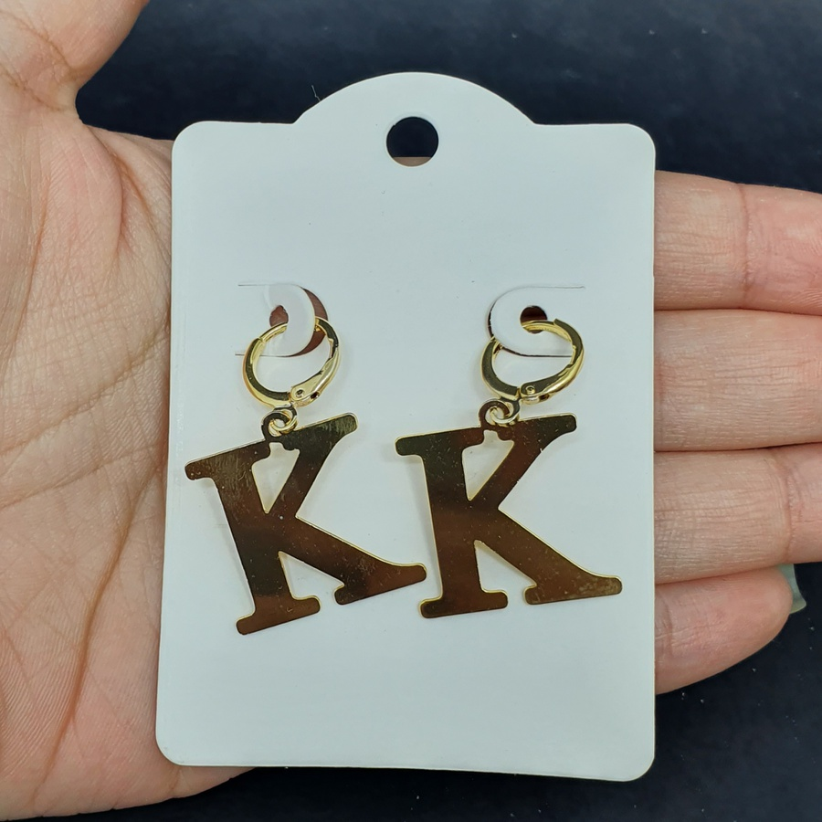 Mini Argola Folheada Dourada Letra K