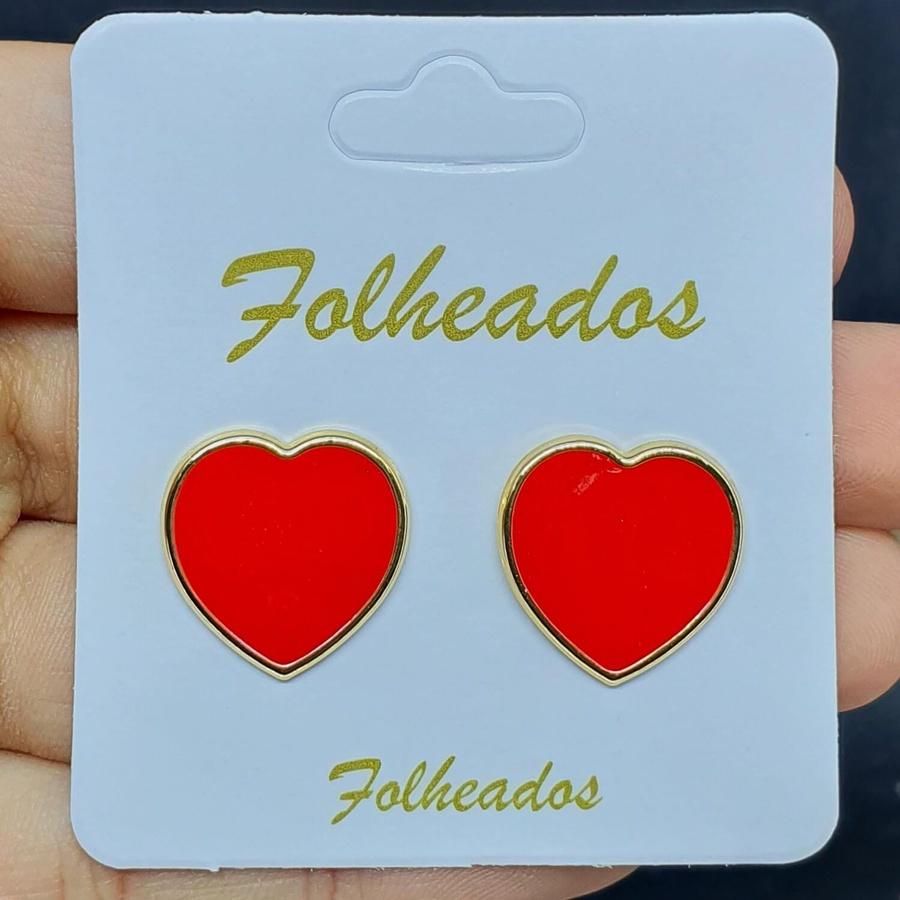 Brinco Folheado Dourado Coração Esmaltado Vermelho