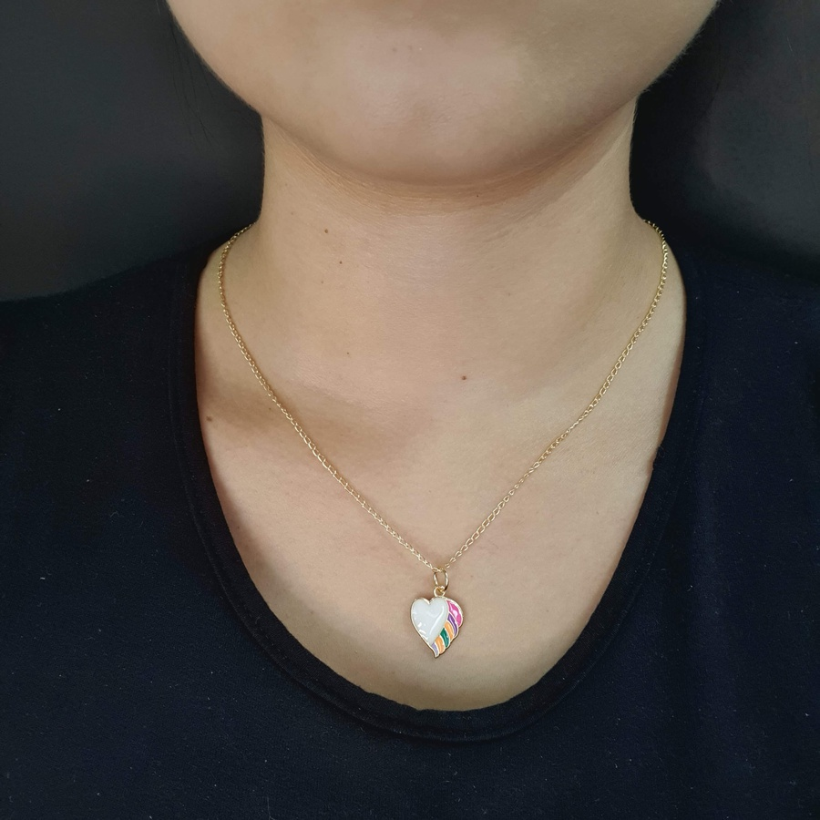 Colar Folheado Dourado Coração Esmaltado Branco