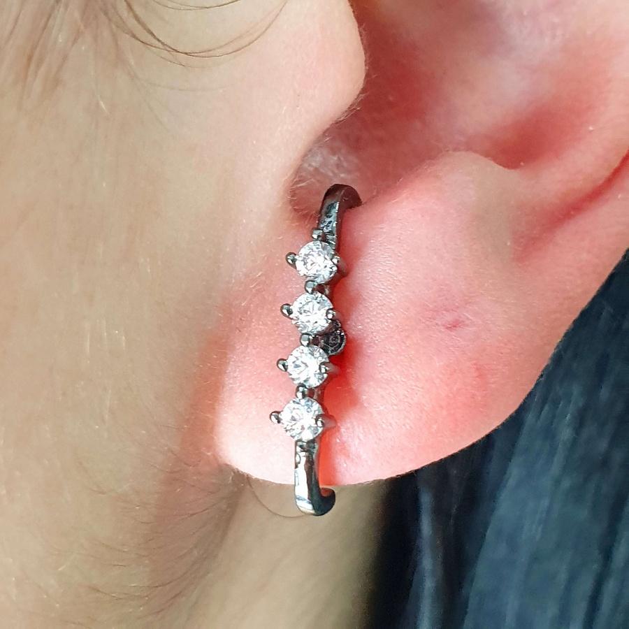 Brinco Ear Hook Semi Joia Ródio Negro Branco