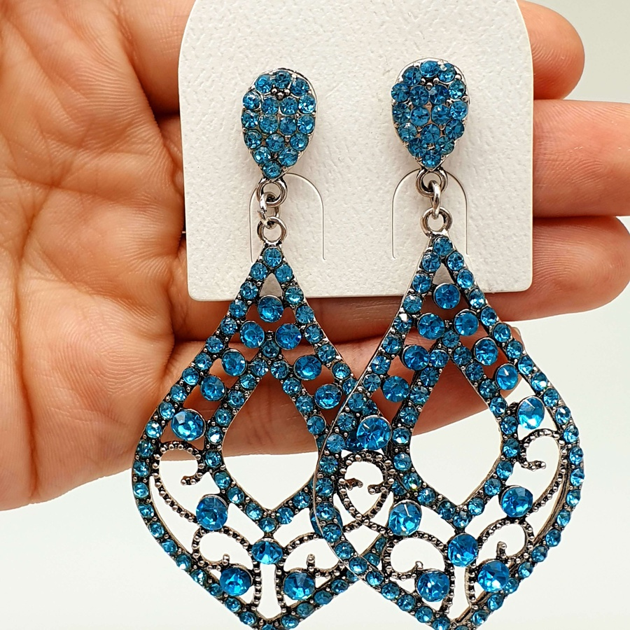 Brinco Prata Velha Detalhado Azul