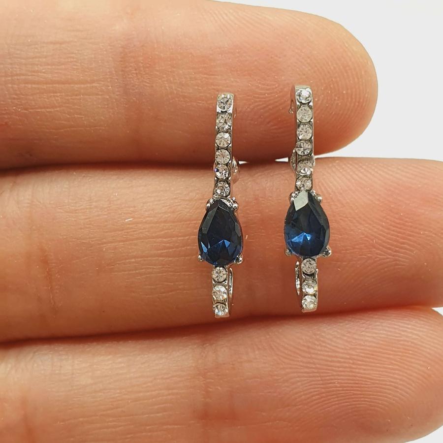 Brinco Ear Hook Gota Prata Azul Marinho