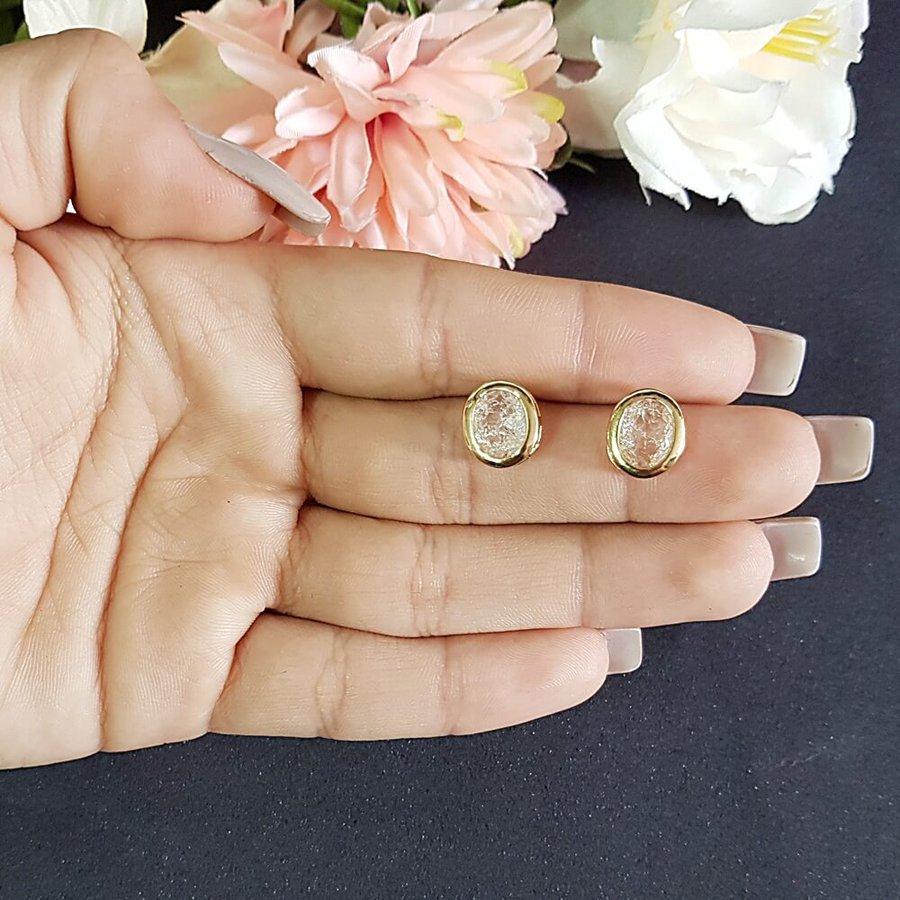 Brinco Pequeno Pedra Fusion Dourado Branco
