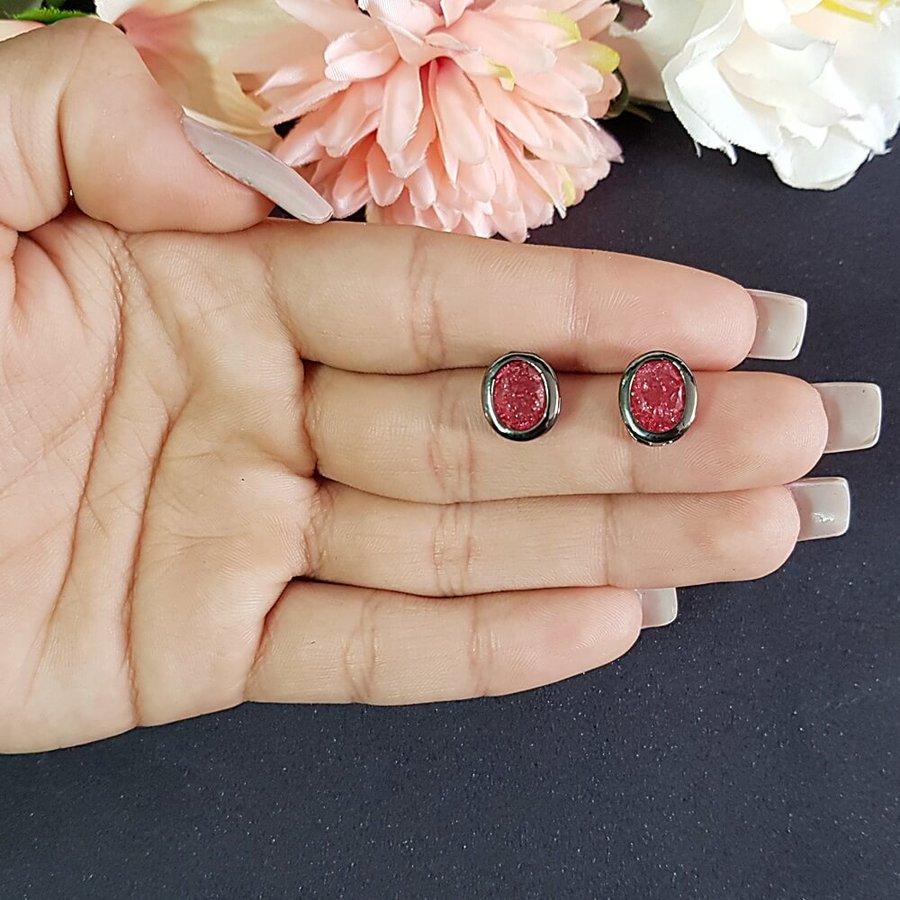 Brinco Pequeno Pedra Fusion Grafite Vermelho