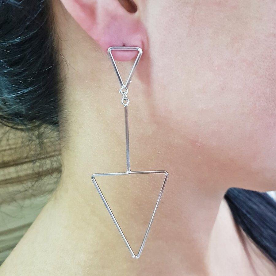 Brinco Maxi Triângulos Prata